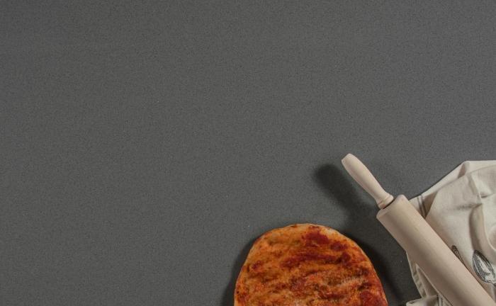 Arenastone Grigio Scuro - pizza and rolling pin